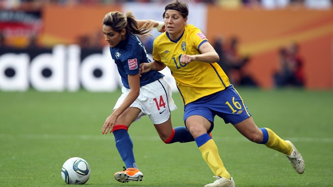 louisa-necib-france-suede