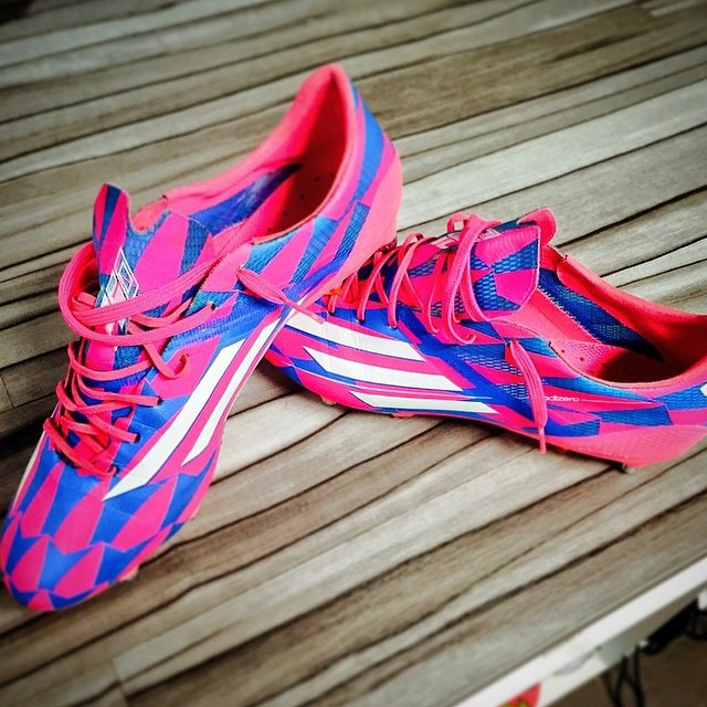 @pbouby27 te fait gagner ses anciennes @adidasfr #f50 sur Twitter !