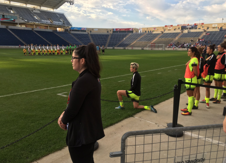 megan-rapinoe-kneeling-national-anthem