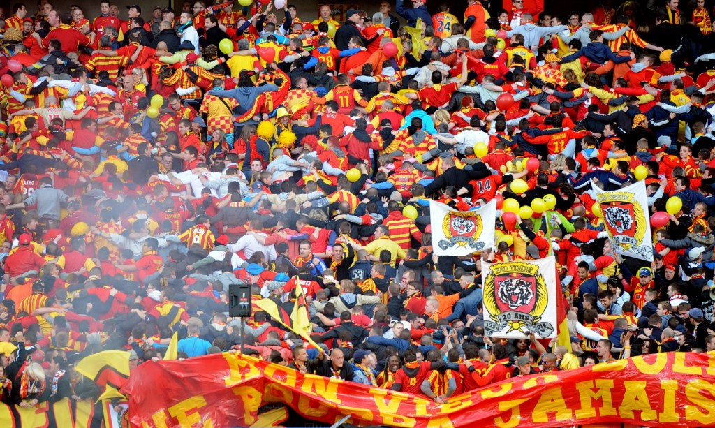 supporters-lens-red-tiger