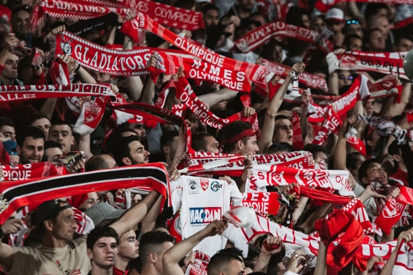 Nimes-supporters